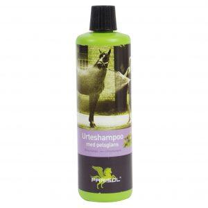 grøn flaske med Parisol urteshampoo til heste
