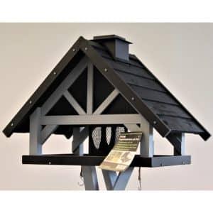 Fuglefoderhus, i sort, med skrå tag